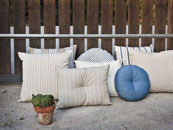 KA INTERNATIONAL -  - Square Cushion