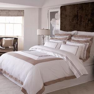 Christy - trailing fuchsia - Bed Linen Set