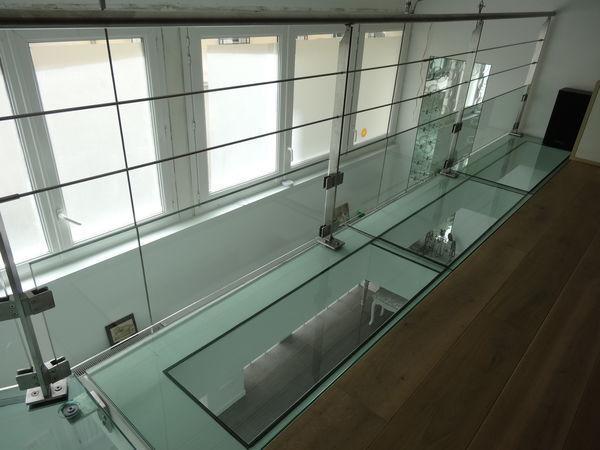 TRESCALINI - Glass floor-TRESCALINI-plancher, sol en verre