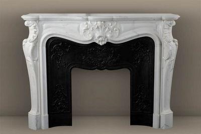MAISON & MAISON - Fireplace mantel-MAISON & MAISON-Comtesse de Mailly, Cheminée sur mesure en marbre