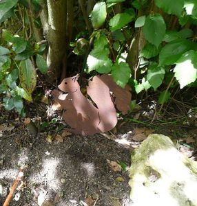 OKE DECORATION - écureuil décoratif en métal - Gartenschmuck