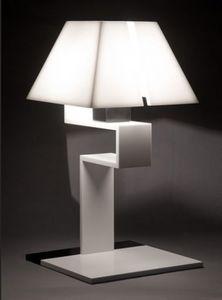 RESISTANCE DESIGN -  - Tischlampen