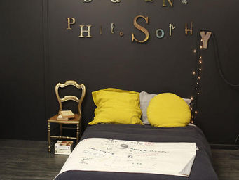BED AND PHILOSOPHY -  - Rundes Kisse