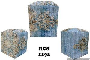 ORNATE CARPETS -  - Sitzkissen