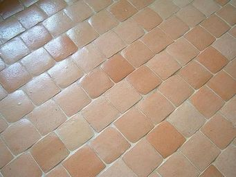 Ceramiques du Beaujolais - carrelage terre cuite 15x15 cluny - Bodenfliese, Terrakotta