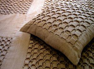 Nitin Goyal London - in052d14 smocked knot wool cushion - Kissen Quadratisch