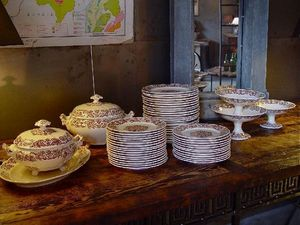 1864 - vaisselle - Weihnachts Und Festgeschirr