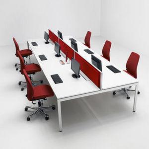 Kinnarps -  - Schreibtisch