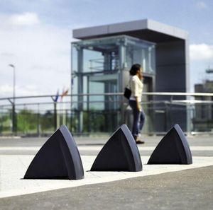 Concept Urbain - delta t36 - Parkplatz Pfosten
