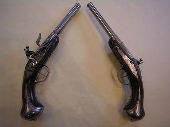 Aux Armes d'Antan - paire de pistolet à silex signés chasteau a paris. - Pistole Und Revolver
