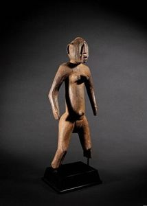 Galerie Flak - figure féminine, mossi - Kleine Statue