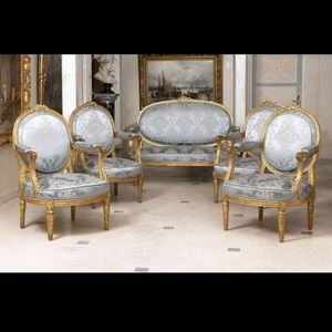 Galerie de Souzy - ensemble canapé et quatre chaises - Sitzgruppe