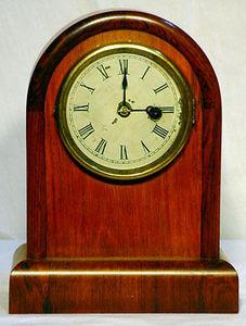 KIRTLAND H. CRUMP - round top cottage clock with rosewood case - Tischuhr