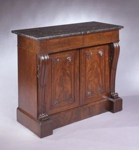CARSWELL RUSH BERLIN - very fine carved mahogany commode with egyptian ma - Sekretär