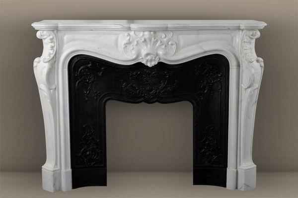 MAISON & MAISON - Rauchfangmantel-MAISON & MAISON-Comtesse de Mailly, Cheminée sur mesure en marbre