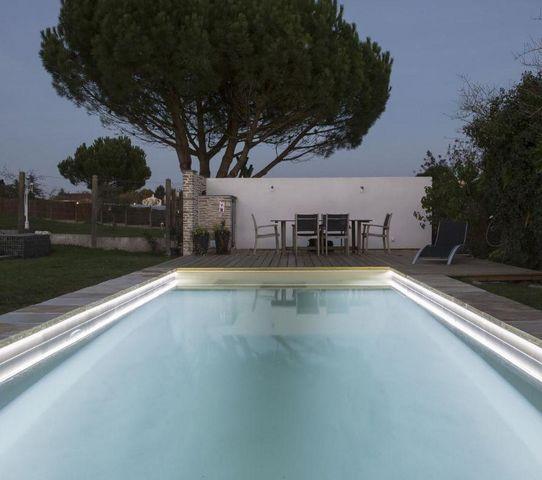 CARON PISCINES - Traditioneller Schwimmbad-CARON PISCINES