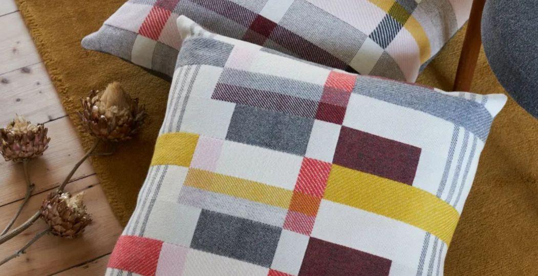 PAMELA PRINT Cojín cuadrado Cojines, almohadas & fundas de almohada Ropa de Casa  |