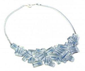 DAPHNE VALENTE -  - Collar