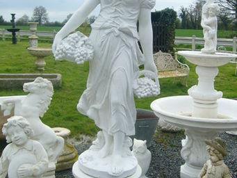 antiquites materiaux anciens deco de jardins -  - Estatua