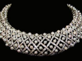 ALIÉNOR ANTIQUITÉS - collier en forme de résille - Collar