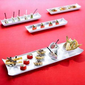 3 femmes & 1 coussin - buffet - Bandeja