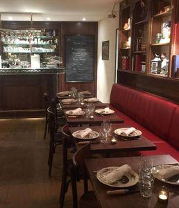 SKa France - tradition- - Banco De Restaurante