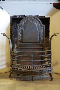 retrouvius - iron fire basket - Estufa De Madera