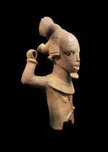 Galerie Noir d'Ivoire - buste de jeune guerrier - Busto