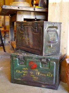 1864 - boîtes métalliques - Caja Metal