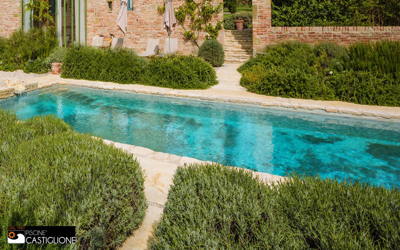 Piscina lunga e stretta lap pool piscine decofinder for Piscine strette e lunghe
