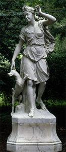BARBARA ISRAEL GARDEN ANTIQUES - important marble figure of diana - Statua