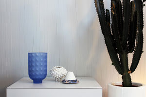 A. ABADIE + SAUQUES.S - in / out - Vaso Decorativo