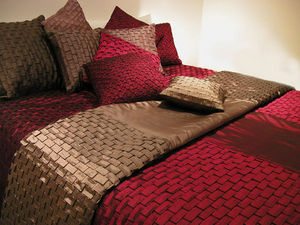 Nitin Goyal London - in051d10 origami pleated bed spread - Plaid